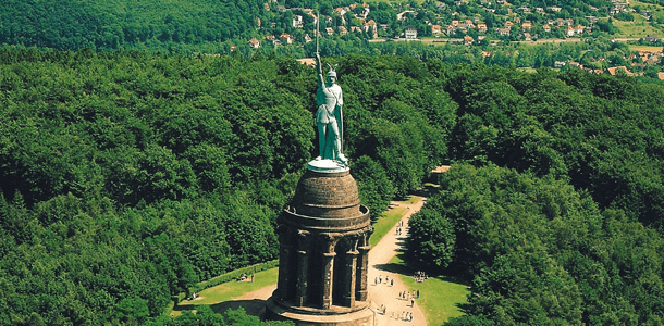 In welchen zwei Bundesländern liegt der Teutoburger Wald?