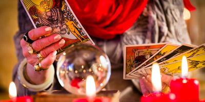 Welche Tarotkarte beschreibt deine aktuelle Lebenssituation?