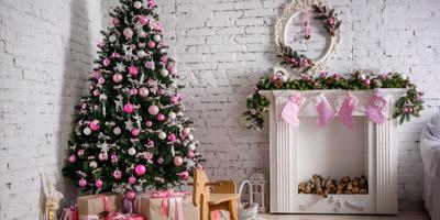In welcher Farbe solltest du dieses Jahr den Weihnachtsbaum schmücken?
