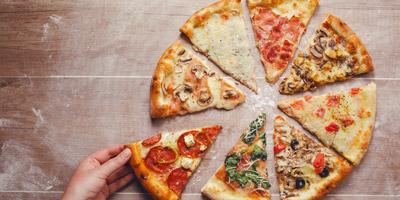 Welche Zutaten gehören auf diese 10 Pizzen?